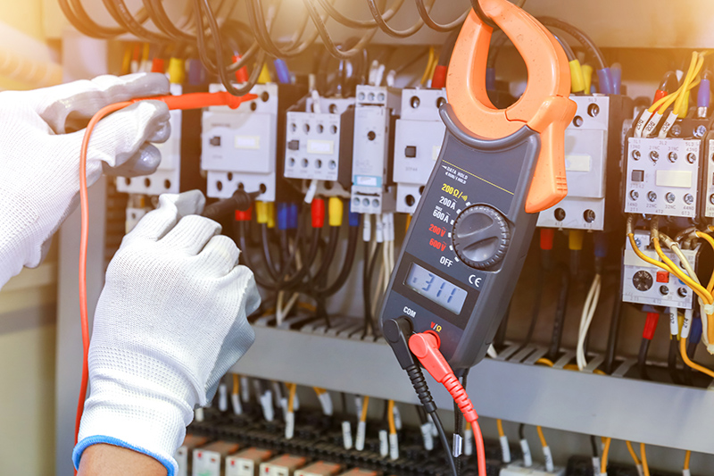 How To Become An Electrician in Wigan Greater Manchester
